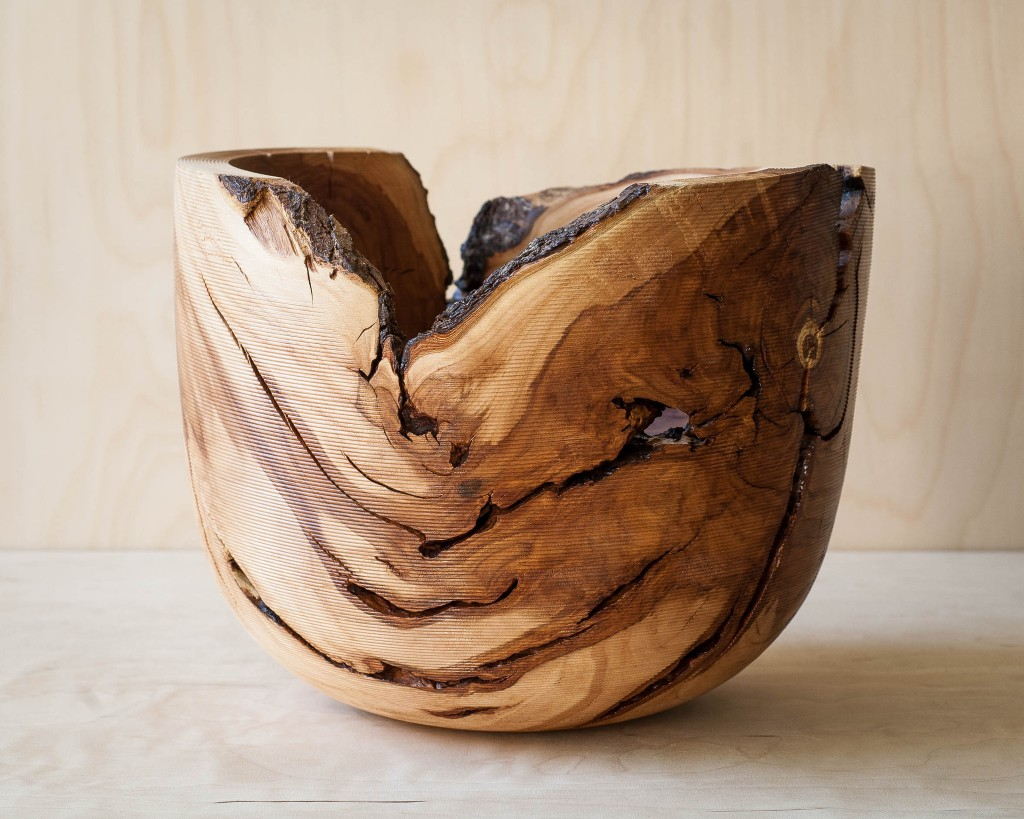 Apple_woodturned_vessel_Giewont1